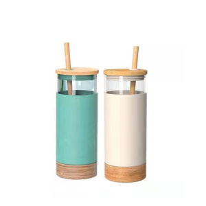 New design Glass Tumbler Straw Silicone Protective Sleeve Bamboo Lid Cups with Bamboo Base